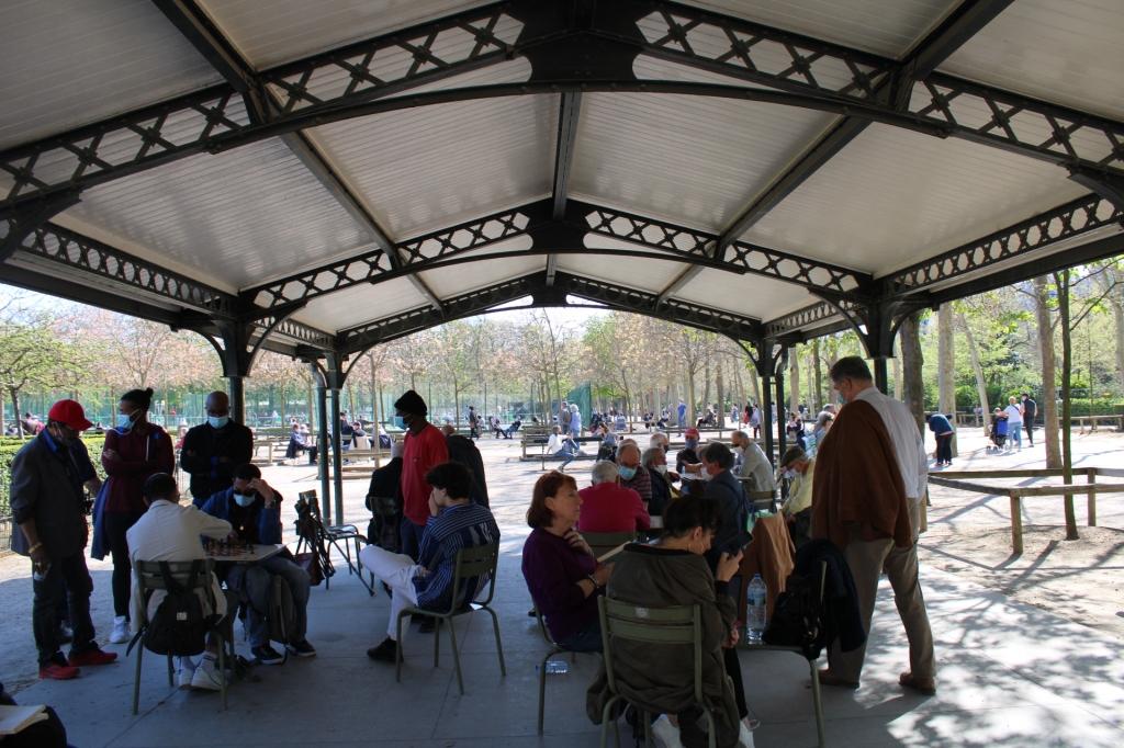 Abri de jeu d'échecs du jardin du Luxembourg